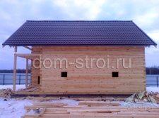 дом из бруса под крышу металлочерепицей